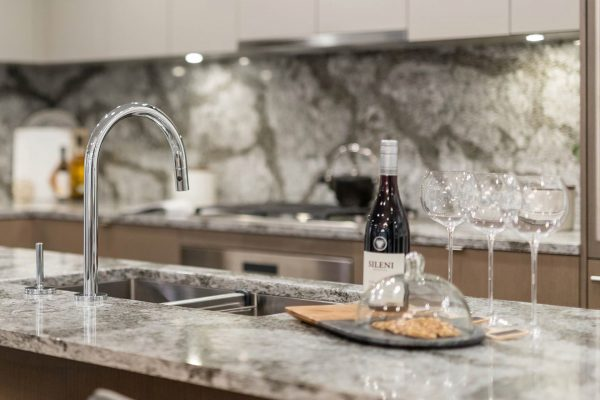 winona_on_cambie_kitchen_wine_1920_1080